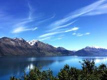 Nowa Zelandia jezioro i góry; lato widok Zdjęcia Stock