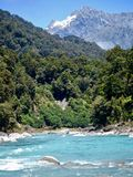 Nowa Zelandia Rzeczna scena na zachodnim wybrzeżu obraz royalty free