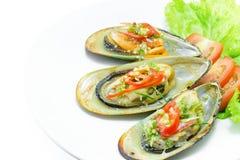 Nowa Zelandia zieleni mussels na bielu talerzu Zdjęcie Stock