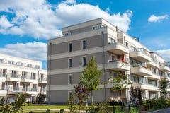 Nowe budownictwo mieszkaniowe rozwoju teren obrazy stock