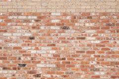 Nowe cegły Na Starym ściana z cegieł Fotografia Stock