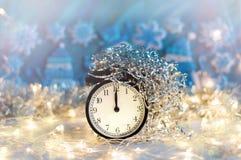 Nowego Roku budzik midpoint Świąteczny Chritmas tło fotografia stock