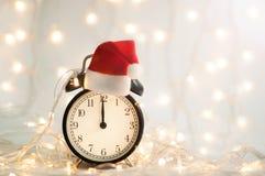 Nowego Roku budzik pokazuje midnight czas zdjęcie stock