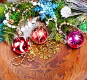 Nowego roku drewniany tło z pięknymi dekoracjami Obraz Stock