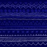 Nowego roku etniczny ornament na błękitnym tle z błękitną farbą z płatkami śniegu Obraz Stock