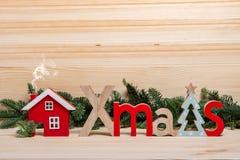 nowego roku karty świątecznie karty Bożenarodzeniowy powitanie boże narodzenia mieścą drewnianego obraz royalty free