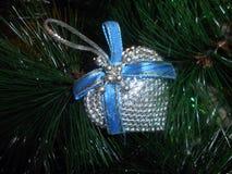 Nowego Roku ` s dekoracyjny srebny serce Fotografia Royalty Free