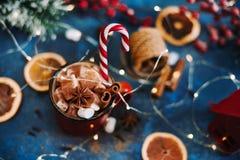 Nowego Roku ` s filiżanka z marshmallows Wciąż życia zamknięty up Obrazy Stock