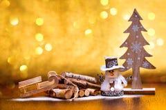 Nowego Roku ` s powitania dekoracje świąteczne ekologicznego drewna obrazy stock