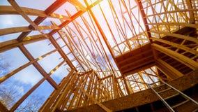 Nowej budowy otoczki dom z ramą obraz royalty free