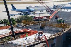 Nowej budowy Tampa lotniska międzynarodowego budynku ekspansja zdjęcie royalty free