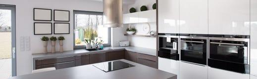 Nowej technologii kuchni wyposażenie Zdjęcia Royalty Free