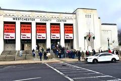 Nowej York westchester okręgu administracyjnego broni palnej nożowy przedstawienie obrazy royalty free