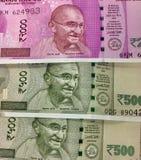Nowi 500 i 2000 wyznań Indiańskie walut notatki Zdjęcie Stock
