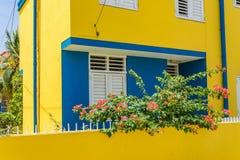 Nowi koloru żółtego domu Otrobanda Curacao widoki Zdjęcie Royalty Free