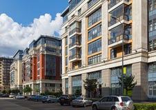 Nowi luksusowi mieszkaniowi kompleksu Cztery słońca w centrum Moskwa, Rosja obraz royalty free