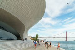 Nowi muzeum sztuki, architektura, Technologia Museu De Arte, Arquitetura e Tecnologia i MAAT, obraz stock