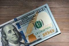 Nowi sto Dolarowych rachunków Zdjęcia Royalty Free
