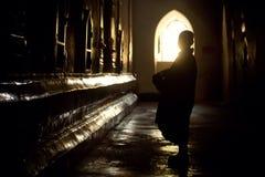 Nowicjusz w świątyni Fotografia Royalty Free