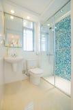Nowożytna łazienka fotografia stock