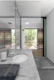 Nowożytna łazienka w wakacje domu Obraz Stock