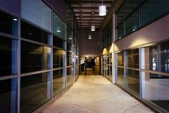 Nowożytna architektura w korytarzu w w centrum Jork, Pennsylwania zdjęcie stock