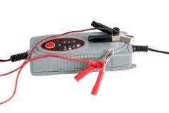 Nowożytna elektroniczna ładowarka dla samochodowej baterii Fotografia Royalty Free