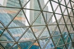 Nowożytna i Współczesna architektoniczna fikcja z szklaną stalową kolumną obraz royalty free