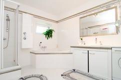 Nowożytna luksusowa łazienka fotografia royalty free