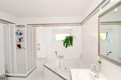 Nowożytna luksusowa łazienka zdjęcia stock