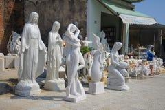 Nowożytna rzeźba dla sprzedaży w sąsiedztwie Marmurowe góry Da Nang Fotografia Stock