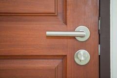 Nowożytna stylowa drzwiowa rękojeść Zdjęcia Stock