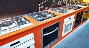 Nowożytne benzynowe kuchenki w sklepie zdjęcie royalty free