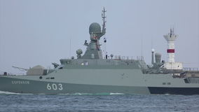 Nowożytne pocisk łodzie Rosja z pociska kaliberem zdjęcie wideo