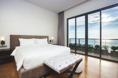 Nowożytnego projekta sypialni Seascape Wewnętrzny widok Zdjęcia Royalty Free