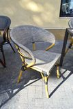 Nowożytnego sklep z kawą miękki krzesło Zdjęcie Royalty Free