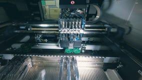 Nowożytnego wyposażenia lutowniczy chip komputerowy, microcircuit, mikroukład, integrował - obwód zbiory wideo