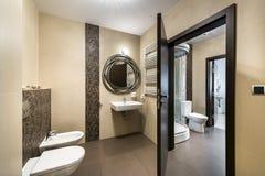 Nowożytnej łazienki wewnętrzny projekt zdjęcia royalty free