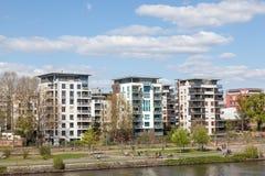 Nowożytni budynki mieszkalni w Frankfurt Obrazy Stock
