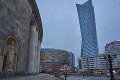 Nowożytni budynki w Warszawa, wieczór, Polska, 03 2017 obraz stock