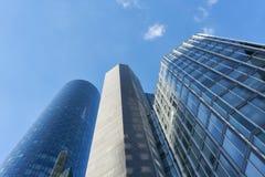 Nowożytni drapacz chmur w Frankfurt magistrala - jest - obraz stock