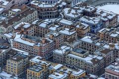 Nowożytni modni hotele i mieszkania Gorky Gorod zimy ośrodka narciarskiego mieszkaniowego zakwaterowania halna infrastruktura two zdjęcie stock