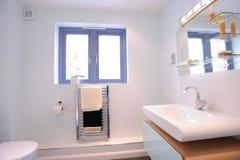 nowożytny łazienki ensuite Obrazy Royalty Free