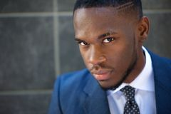 Nowożytny amerykanina afrykańskiego pochodzenia biznesmen zdjęcie royalty free