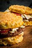 Nowożytny Azjatycki naczyń Ramen hamburger Zdjęcia Stock
