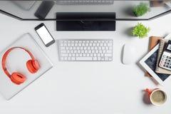 Nowożytny Biały biurowego biurka stół fotografia royalty free