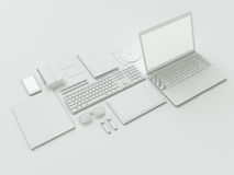 Nowożytny biurowy miejsce pracy z kruszcowym laptopem, cyfrową pastylką, telefonem komórkowym, papierami, notepad i inny, biznes  Zdjęcie Royalty Free
