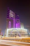 Nowożytny budynek biurowy w Kuwejt mieście Obrazy Royalty Free