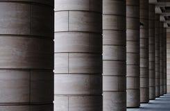 Nowożytny budynek z kolumnami z rzędu obraz stock