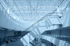 nowożytny budynku eskalator zdjęcia stock